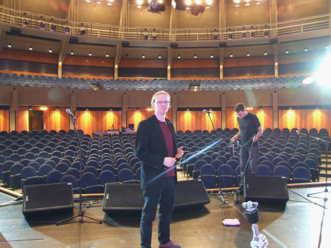 Dirk Ballarin auf Tournee mit David Knopfler & Band im ausverkauften Stadttheater in Ratingen (2009) ehemals Dire Straits
